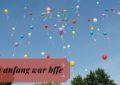 Titelbild zum Artikel: Bunte Luftballons mit Briefen